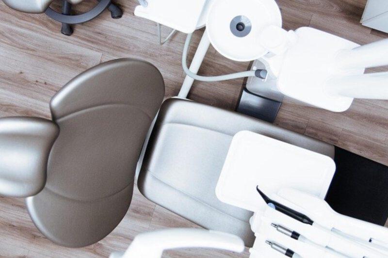 Znieczulenie dentystyczne bez zastrzyku – czy to możliwe?